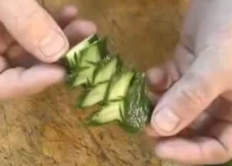 Украшения из огурцов