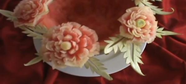 Карвинг, розы из арбуза.