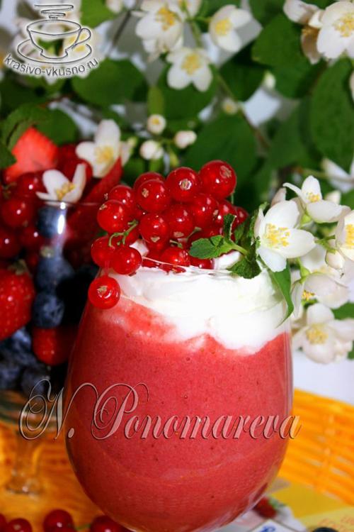 смузи и ягодный микс