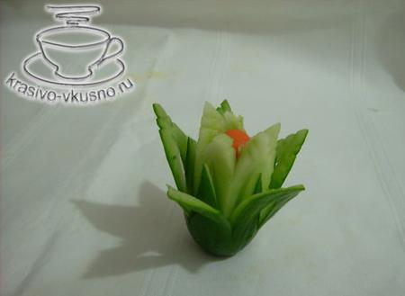 Цветок лилии из огурца | Карвинг