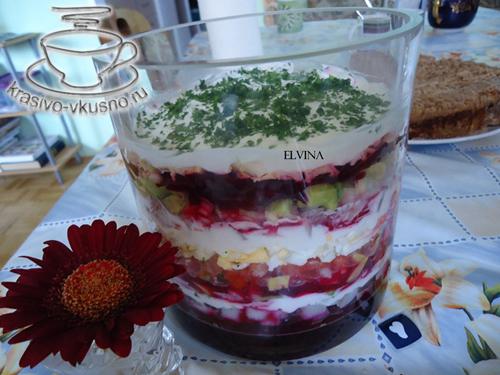 Вкусный, красивый, слоёный праздничный салат