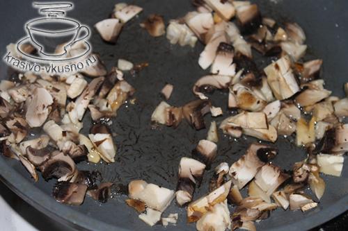 Красивая закуска из лука и дикого риса