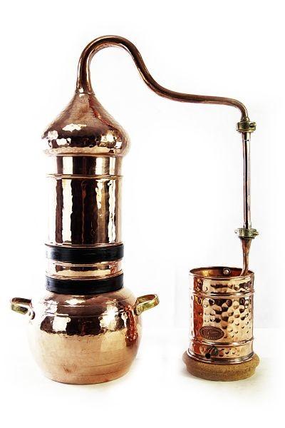 Аламбик или самогонный аппарат